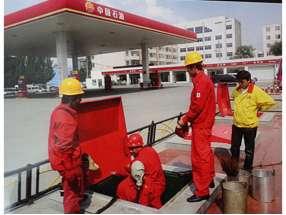 内蒙古鄂尔多斯加油站 (2)