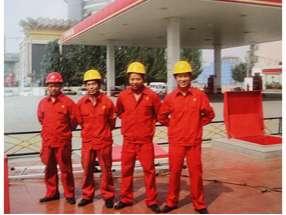内蒙古鄂尔多斯加油站 (1)